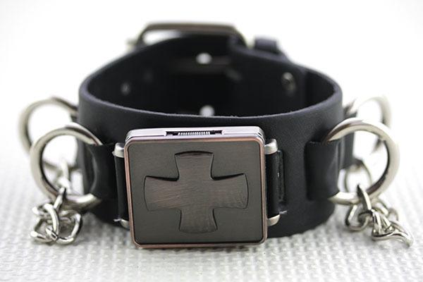 Часы наручные с закрывающимся циферблатом