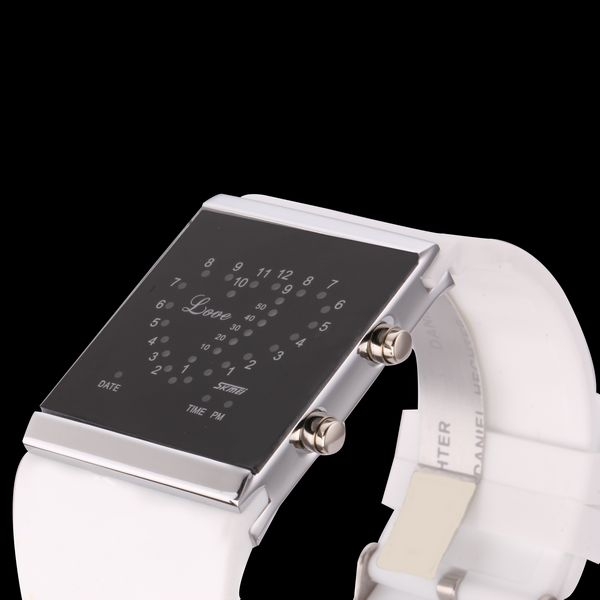 Светодиодные цифровые наручные часы