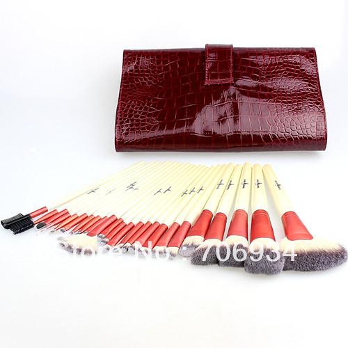 Набор кистей для нанесения макияжа из 24 штук