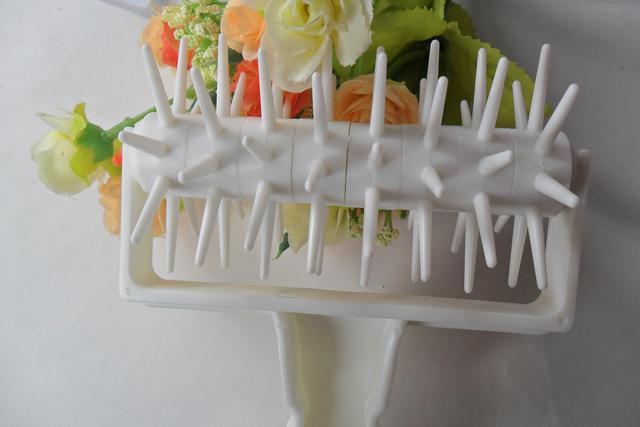 Игольчатый ролик для выпечки