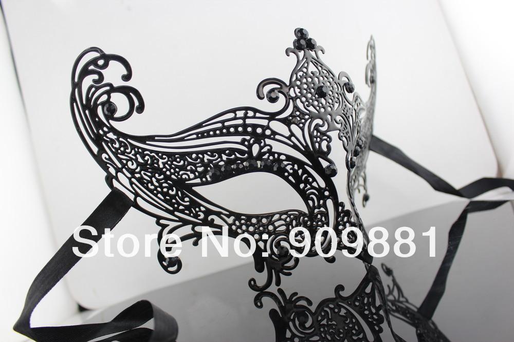 Венецианская маскарадная маска