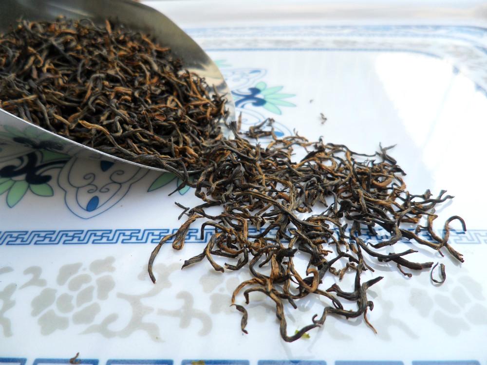 Оздоровительный чёрный чай Wuyi