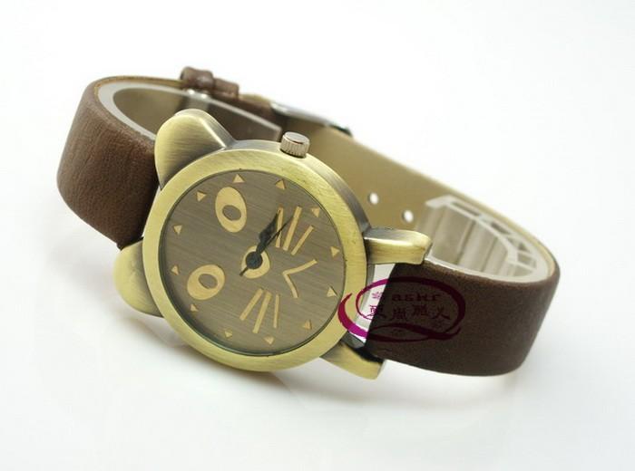 Медные часы в стиле