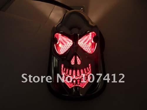 Задний габаритный фонарь в форме черепа