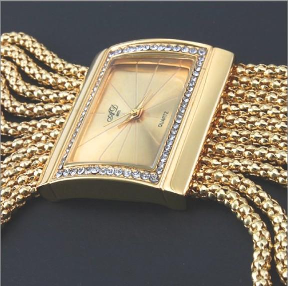 Кварцевые часы-браслет