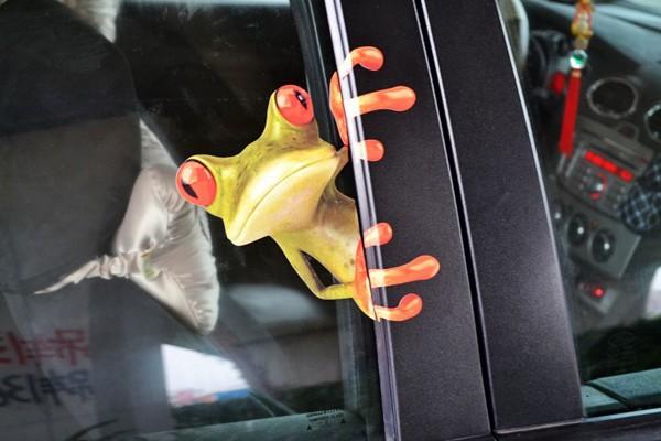 Наклейка декоративная в виде мультяшного лягушонка для автомобилей, 1шт, 16x14см