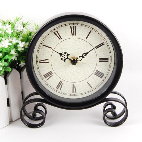 Настольные часы в деревенском стиле