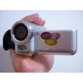 "DV138 - цифровая камера, 12MP, 1.8"" TFT LCD, 4x цифровой зум"