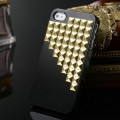 Чехол со стразами и заклепками для iPhone 4