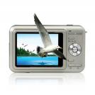 "DC81 - цифровая 3D-камера, 12MP, 3.0"" TFT LCD, 8x цифровой зум"