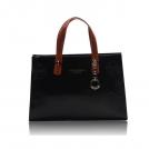 Женская сумка с тиснением