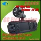 X8000 - автомобильный видеорегистратор с двумя камерами