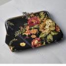 Красочный женский кошелек