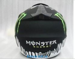 Мотоциклентный шлем для гонок по бездорожью фирмы KAWASAKI