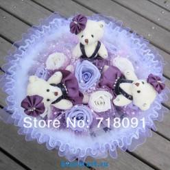 Букет из мягких игрушек-мишек и роз, 35х35 см