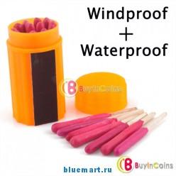 Коробка с водостойкими и ветроустойчивыми спичками